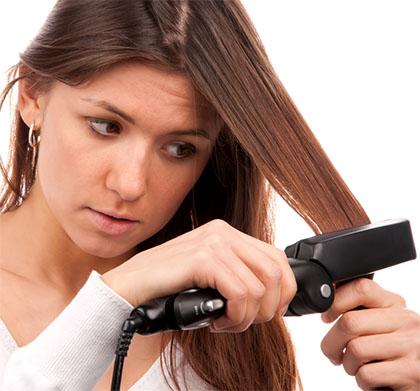como usar una plancha para el pelo